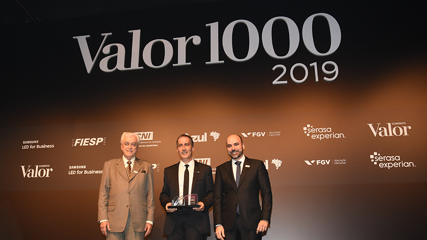 Stephane Desaunay receives Valor 1000 award at SBGf 2019